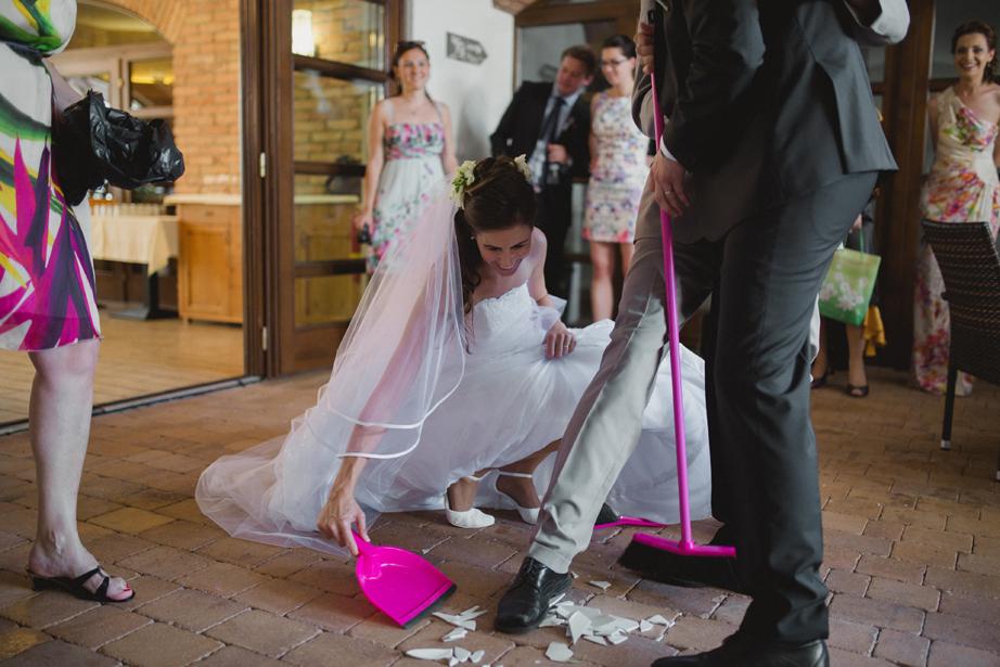 svadobna vyzdoba restauracie putnicky mlyn v Marianke pri Bratislave, rozbijanie taniera